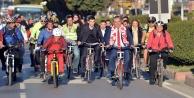 Belediye Başkanı işe bisikletle gitti
