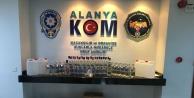 Alanya'da 117 şişe kaçak içki yakalandı