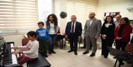 Başkan Böcek'ten köy okullarına destek