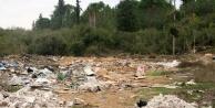 Ormanlık alandaki çöp ve molozun önüne geçilemiyor