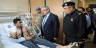 Vali Karaloğlu yaralı askerleri ziyaret etti
