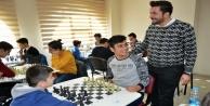 AK Gençlik'in turnuvasına yoğun ilgi