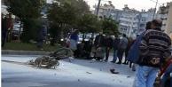 Alanya'da 2 motosiklet çarpışarak alev aldı: 1'i ağır 2 yaralı
