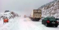 Antalya Konya arasında kar kalınlığı 25 santimetreye ulaştı!