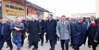AK Partili Usta ve Uslu acılı baba Acar'ı ziyaret etti!