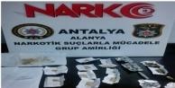 Alanya'da uyuşturucu tacirlerine şok baskın: 3 gözaltı