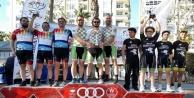 Alanyasporlu bisikletçiler Mersin'den kupalarla döndü
