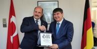 Almanya'nın en prestijli ödülünü Başkan Türel aldı