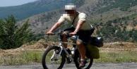 Ankara'dan Alanya'ya bisikletle kaçtı!