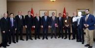 Gazeteciler Bakan Çavuşoğlu'nu makamında ziyaret etti