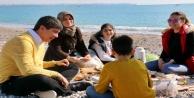 Türel ailesinin Boğaçayı'nda pazar keyfi yaptı