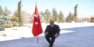 Bakan Çavuşoğlu Türkiye'nin tanıtımı için poz verdi