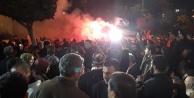 MHP seçim ofisinde meşaleli kutlama başladı
