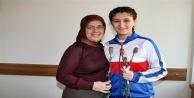 Sema Eray Erdem Ortaokulu'ndan 8 Mart jesti