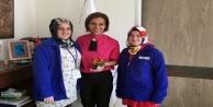 Türel'den Alanyalı sağlıkçılara çiçekli kutlama