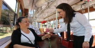 Böcek'ten nostaljik tramvayda annelere sürpriz
