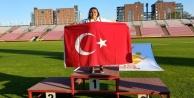 Alanyalı Dilara yine şampiyon!