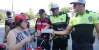 Alanya polisi sürücülerle bayramlaştı