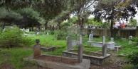 Alanya'da Sahil Mezarlığı'na bakım