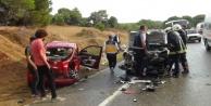 Kontrolden çıkan otomobil karşı şeride geçip 2 araca çarptı: 4 yaralı