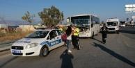 Yolcu midibüsü tur minibüsüne çarptı: 6 yaralı