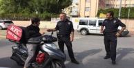 Polis okul çevrelerini denetledi