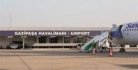 Şiddetli fırtına Alanya GZP'de uçuşları iptal ettirdi