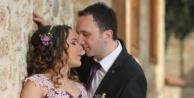 Yeni evli çiftin geçirdiği kazada ağır yaralanan gelin yaşam savaşını kaybetti