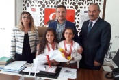 Satranç şampiyonlarından Er'e ziyaret