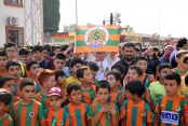 Alanyasporlu futbolcular Gazipaşa'da çocuklarla buluştu