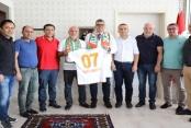Alanyaspor'dan Başhekim Lakadamyalı'ya ziyaret