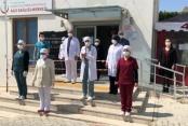 Alanya'da sağlık çalışanları Taşçıoğlu'nu andı