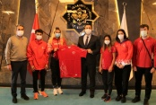 Rektör Kalan milli sporcuları kabul etti