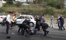 Alanya Adliyesi önünde tekme tokat kavga ettiler