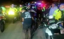 Trafik polis otosu ile motosikletli trafik polisi çarpıştı