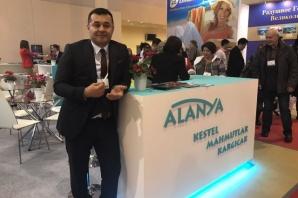 Yücel Moskova'da Alanya'yı tanıtıyor