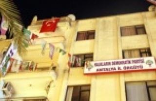 ANTALYA HDP BİNASI İŞGAL EDİLDİ