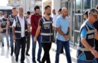 ALANYA'DA FETÖ ŞÜPHELİSİ 29 KİŞİ ADLİYEYE...