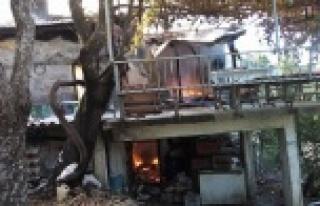 Arif Amcanın evi kül oldu