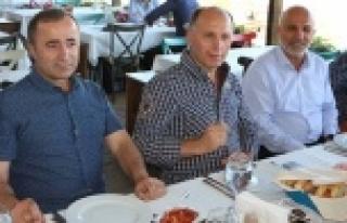 Yöneticiler dostluk yemeğinde buluştu