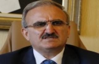 Vali Karaloğlu'dan referandum paylaşımı