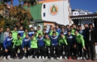 U17 ve U19 Trabzon yolcusu