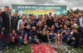 Şampiyon Kestelspor kupasını aldı