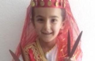 Alanya'da küçük kızı akrep öldürdü