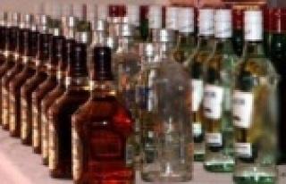 Alanya'da kaçak ve sahte içki operasyonu