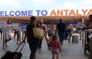 Antalya turist sayısında 8 milyonu geçti