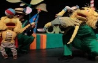 Belediye Tiyatrosu turneden turneye koşuyor