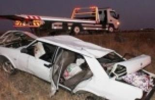 Alanya'da kontrolden çıkan araç takla attı:...