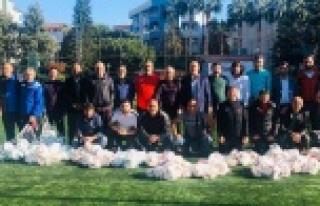 ASKF spor kulüplerine malzeme dağıttı