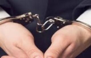 Alanya'da 27 yıl hapis cezasıyla aranan cezaevi...